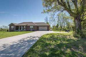 2386 Elk Creek Rd Taylorsville, KY 40071