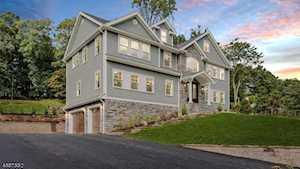 387 Maple St New Providence Boro, NJ 07974