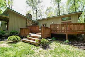 110 Peace Ln Pewee Valley, KY 40056