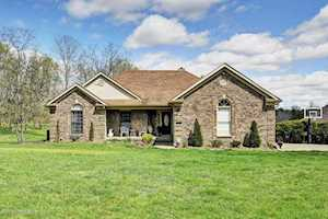 7505 Ashers Run Dr Crestwood, KY 40014