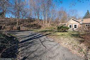225 S Lincoln Ave Carpentersville, IL 60110