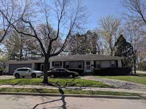 703 Warwick Ave Barrington, IL 60010