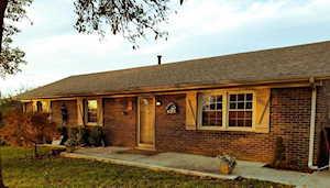 206 Longview Nicholasville, KY 40356