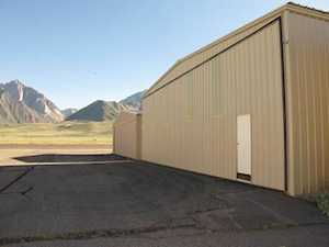 1334 Airport Rd Hanger Row D # 2 Mammoth Lakes, CA 93546