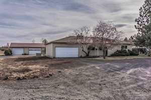 61794 Ward Road Bend, OR 97702