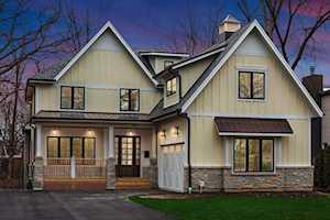 840 Grove St Glencoe, IL 60022