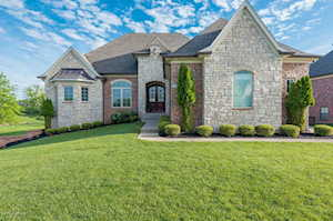 17001 Shakes Creek Dr Louisville, KY 40023