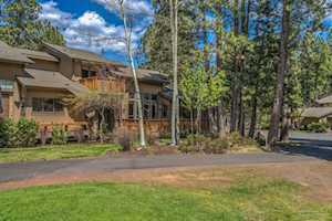 60462 Elkai Woods Drive Bend, OR 97702