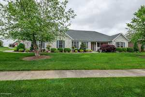 1040 Champion Cir Simpsonville, KY 40067
