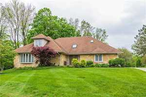 2039 Woodsway Drive Greenwood, IN 46143