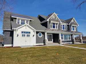 6403 E Pickwick Park Drive Syracuse, IN 46567