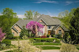 202 Mockingbird Gardens Dr Louisville, KY 40207