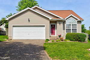 3908 Mimosa View Dr Louisville, KY 40299