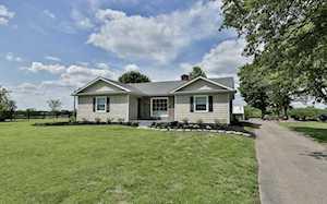 6898 Buck Creek Rd Finchville, KY 40022