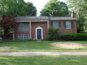 9604 Farnham Dr Louisville, KY 40223