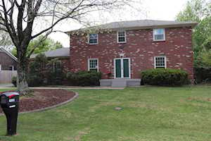 4006 Machupe Dr Louisville, KY 40241