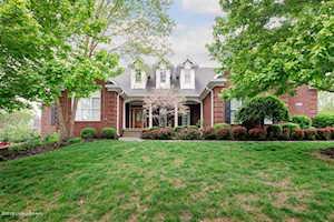 4228 Woodmont Park Ln Louisville, KY 40245