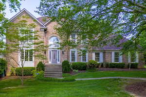 514 Woodlake Dr Louisville, KY 40245