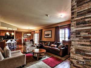 75 Arling Center Court #201, 203 Donnelly, ID 83615