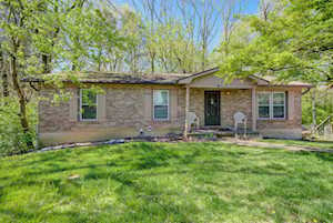 5618 Wooded Lake Dr Louisville, KY 40299