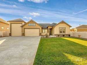 12027 W Streamview Dr. Star, ID 83669