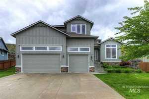 4595 E Tanoak Drive Boise, ID 83716