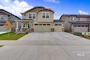 74 N Caracaras Way Eagle, ID 83616