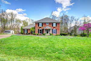 4734 Grand Dell Dr Crestwood, KY 40014