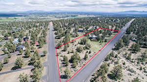 20856 Gift Road Bend, OR 97703
