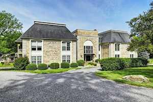 1110 Chamberlain Hill Rd #230 Louisville, KY 40207