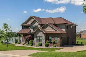 7404 Grand Oaks Dr Crestwood, KY 40014