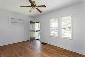3409 Del Park Terrace Louisville, KY 40211