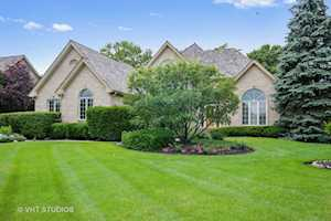 211 Boulder Dr Lake In The Hills, IL 60156