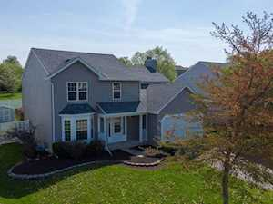 1052 Creekview Ln Lake In The Hills, IL 60156