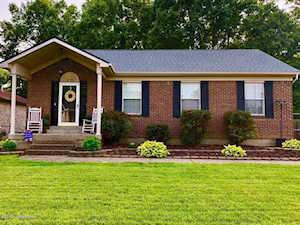 379 River Oaks Dr Shepherdsville, KY 40165