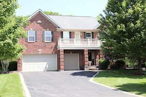 5714 Red Oak Dr Hoffman Estates, IL 60192