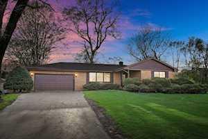 5604 Clarendon Hills Rd Clarendon Hills, IL 60514