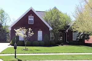 3924 Woodmont Park Ln Louisville, KY 40245