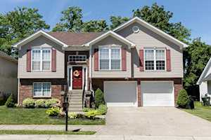 2904 Hewitt Pl Ct Jeffersontown, KY 40299