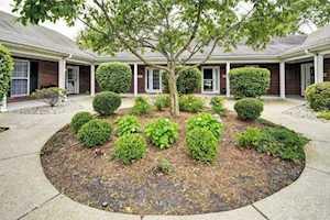 819 Garden Pointe Dr Simpsonville, KY 40067