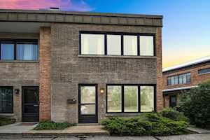 682 Roger Williams Ave Highland Park, IL 60035