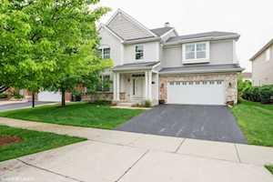 1658 N Woods Way Vernon Hills, IL 60061
