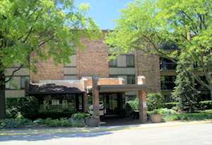 301 Lake Hinsdale Dr #306 Willowbrook, IL 60527