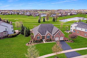 28 Championship Parkway Hawthorn Woods, IL 60047