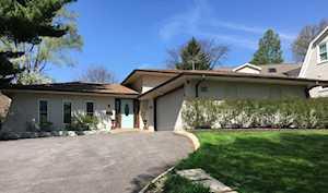 4 Woodstock Ave Clarendon Hills, IL 60514