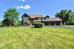 11 Whitman Terrace Hawthorn Woods, IL 60047