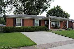 3445 Fernheather Dr Louisville, KY 40216