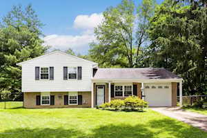 1009 Round Table Ct Louisville, KY 40222