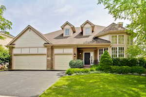 1305 Maidstone Dr Vernon Hills, IL 60061