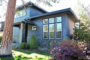 19697 Harvard Place Bend, OR 97702